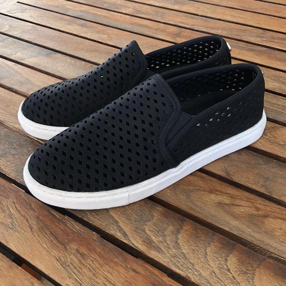 154607e1923 Steve Madden Zeena Slip-On Sneaker size 9. M 5aef3a6adaa8f69174cdee6a